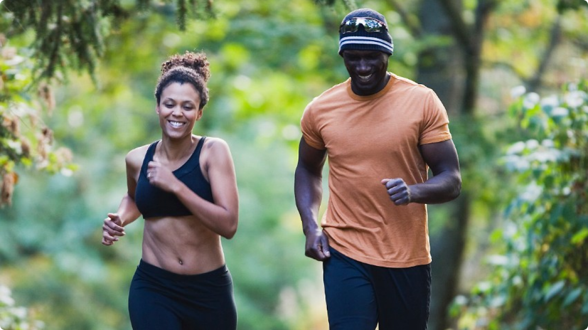 081114-b-real-relationships-couple-happy-health-fitness-exercise-jogging-running